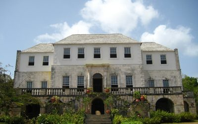Gobierno jamaiquino financiará pequeños productores de cannabis